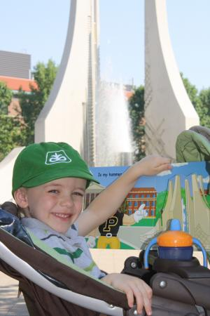 Benjamin at the Fountain